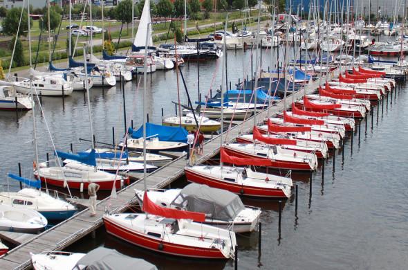 Jachthaven Ottenhome Heeg - Boot reparaties - Polyester bootreparaties - ligplaatsen - Winterberging - Winterstalling